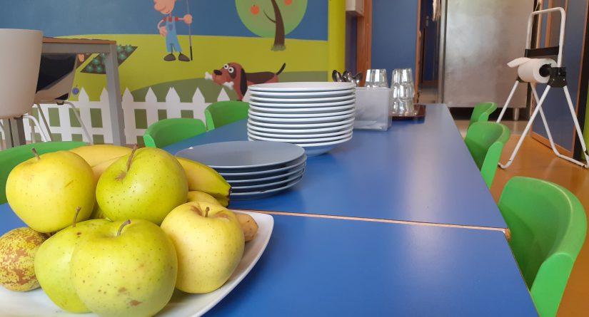 Fruta fresca en el comedor de nuestra escuela infantil